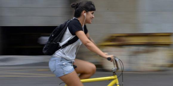As trilhas sonoras de quem pedala (Cristiane Silva/Esp. DP/D.A Press)