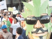 Marcha da maconha rene cerca de mil pessoas